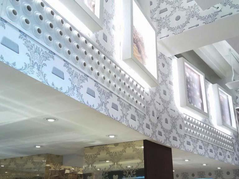 interni-rivestimenti-negozio-franchising